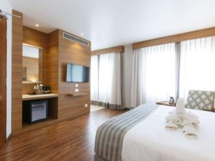Hotel Ambassador by ACE Hotels