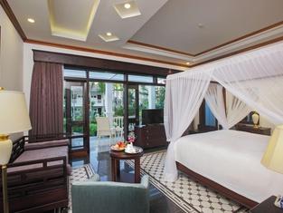 Chez Carole Center Resort & Spa