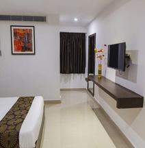 OYO 7884 Hotel Thyag Inn