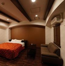 Ginowan Crystal Hotel