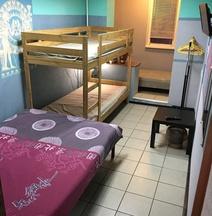 Respublika Hostel