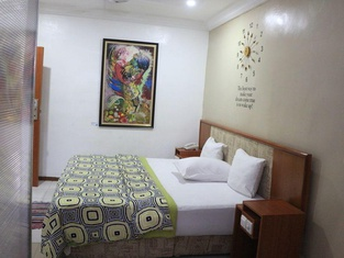 NatureMark Gallery and Guest House