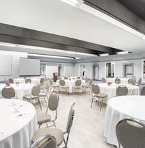 ラマダ ホテル & カンファレンス センター バイ ウィンダム キングストン