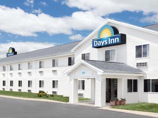Days Inn by Wyndham Neenah
