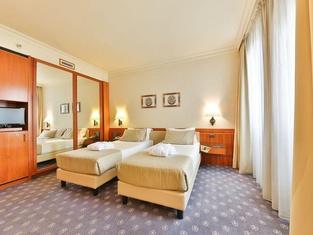 โรงแรมเลออน โดโร
