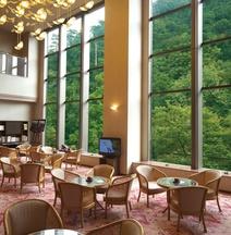ロイヤルホテル 山中温泉河鹿荘