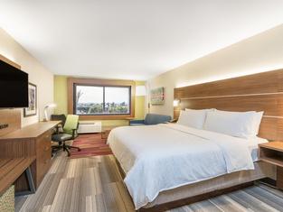 Holiday Inn Express & Suites Lake Havasu - London Bridge