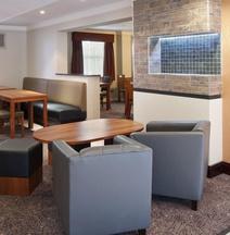 Holiday Inn Express Leeds - East