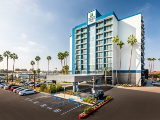 Holiday Inn Express and Suites Santa Ana - Orange County