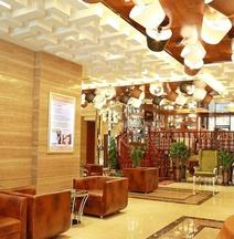 Yijia Chain Hotel Mingren Branch
