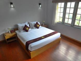 Golden Lotus Inle Hotel