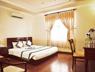 Lan Vy Hotel