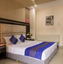 OYO Premium Nagpur C A Road