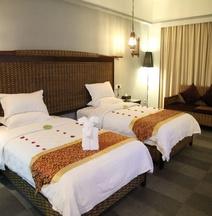 Serengeti Hotel