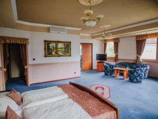 Hotel Gloria Palac