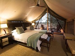 Rhino Post Safari Lodge