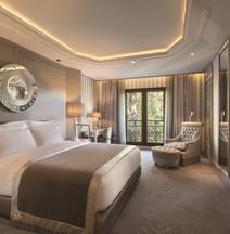 Wyndham Grand Istanbul Kalamis Marina Hotel