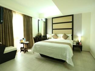 Pattom Royal Hotel