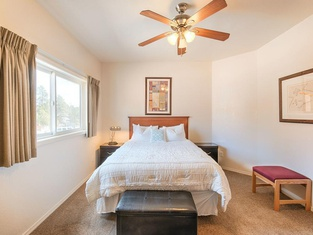 Canyon Plaza Premier Studio and Apartments