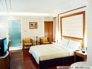 Royal Group Motel Tainan Branch
