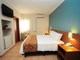 ホテル リビエラ アラサトゥバ