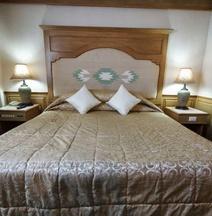 Dhevaraj Hotel