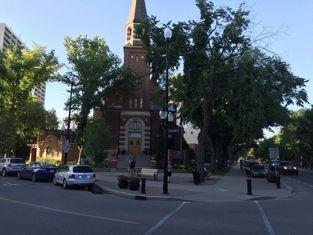 Super 8 by Wyndham Saskatoon Near Downtown