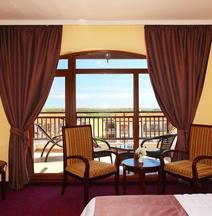 The Vineyards Spa & Resort