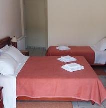Ξενοδοχείο Βενάρδος