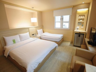 Kindness Hotel - Jhong Jheng