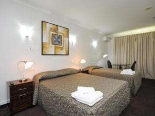โรงแรมคอมฟอร์ท พาร์คแลนด์ แคลลีโอพี