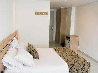 Hotel Arawak Plaza