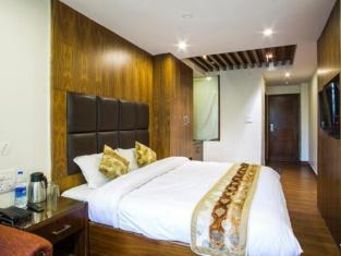 OYO 2012 Hotel Shiwalik Regency
