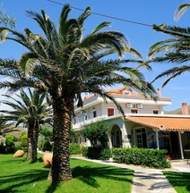 Platy Beach Hotel