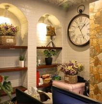 Yi Zhu · Hangzhou Timesong Hostel