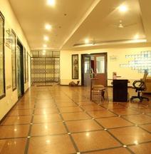 Hotel Sri Sai Grand Central