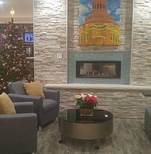 Holiday Inn & Suites ASHEVILLE-BILTMORE VLG Area