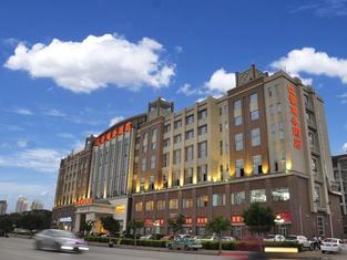 River Scene Palace Hotel