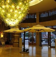 Beau Upward Maylily Hotel