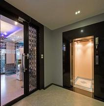 โรงแรมศรีสวารา คาซา