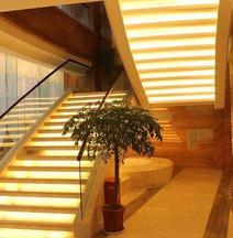 Zhaotong Purple Light Hotel
