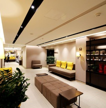 Home Inn Plus (Lanzhou Zhangye Road Xiguan Metro Station)