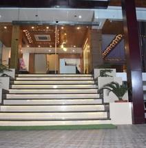 Hotel Amar Heights