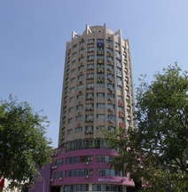 Home Inn (Tianjin Xiaobailou Subway Station Hisense Plaza)