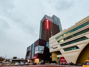 Ibis Weihai Oriental New Ground Hotel