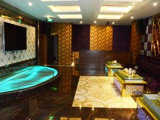 Chengzhong Blue Sky Hotel