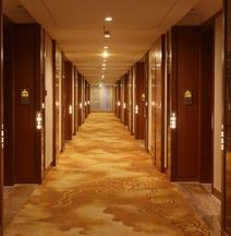 โรงแรมซีหนิง แซฟไฟร์