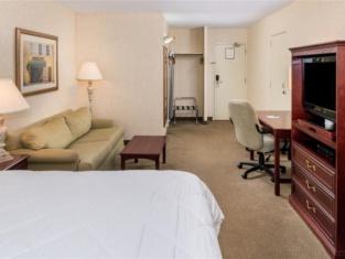 薩德伯裡萊辛頓酒店及會議中心