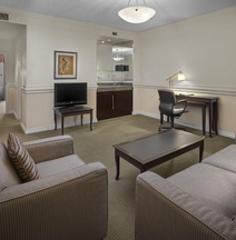 Delta Hotels Edmonton Centre Suites