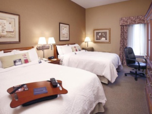 Hampton Inn Hartford Airport